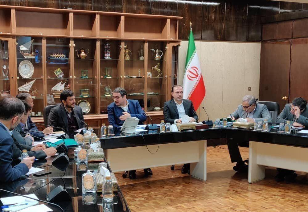 خبرنگاران جلسه ستاد مقابله با کرونا در وزارت صنعت، معدن و تجارت برگزار گردید