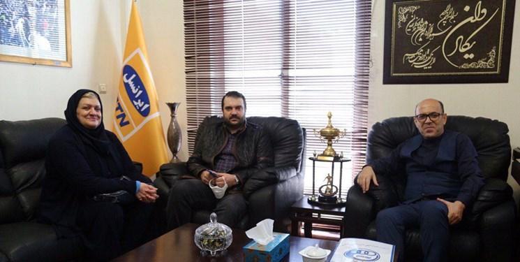 ملاقات مدیرعامل باشگاه استقلال با خانواده شادروان پورحیدری
