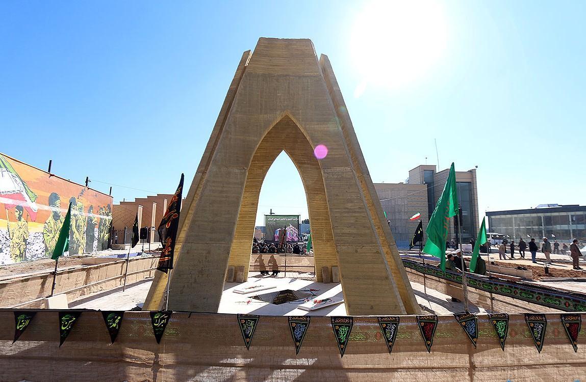 زیباسازی ورودی موزه دفاع مقدس فارس