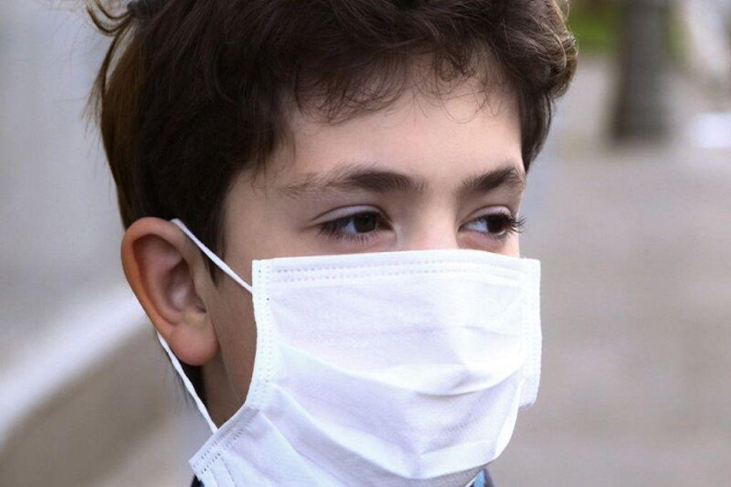 خبرنگاران هنگام خروج از منزل از ماسک بهره ببرید