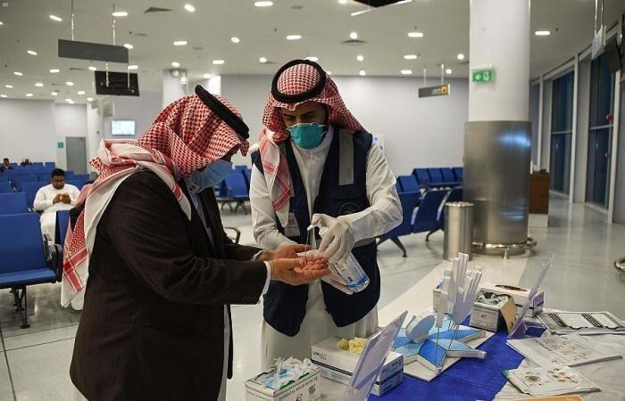خبرنگاران عربستان در ایام تعطیلات عید فطر قرنطینه سراسری اجرا می کند