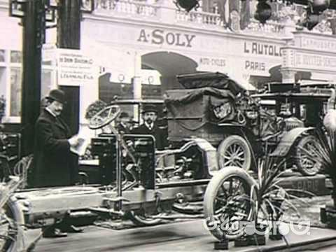 قدیمی ترین اتومبیل دنیا با 125 سال سن، اما هنوز سرحال و در حال حرکت
