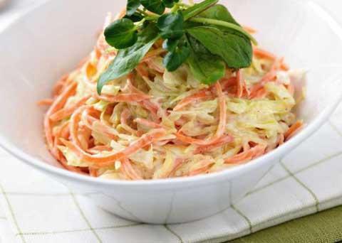 طرز تهیه سالاد ماست و هویج