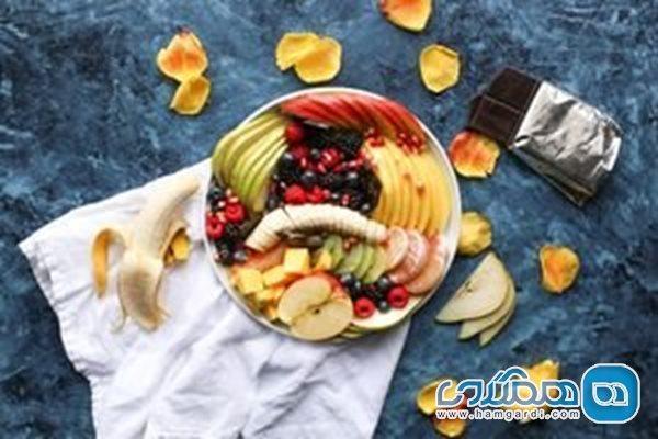 بهترین زمان خوردن میوه و غذا چه وقتی است؟