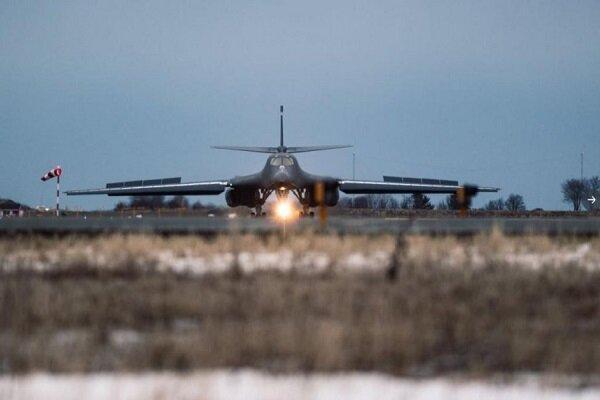 شروع ماموریت بمب افکن های بی - 1 آمریکا در نزدیکی آبهای روسیه