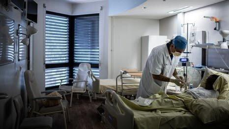 تکمیل ظرفیت تخت های ICU در پاریس و اعمال محدودیت های جدید