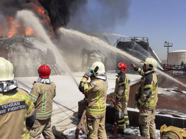 ماجرای فداکاری آتش نشان ها در پالایشگاه تهران