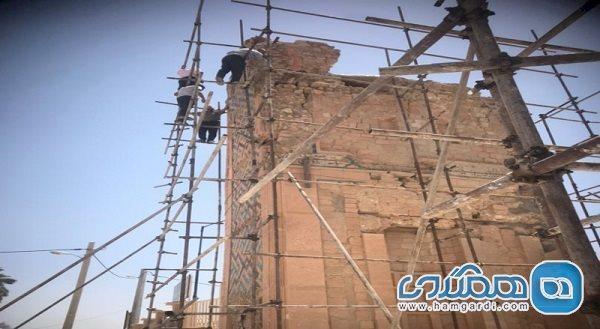 کتیبه های سردر مسجد جامع خنج بازسازی می شوند